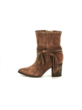 Azzo Brown Suede