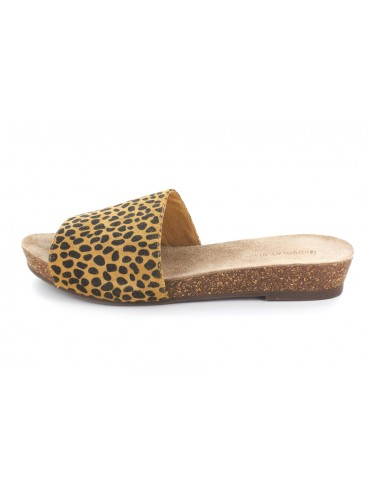 Viveca Leopard