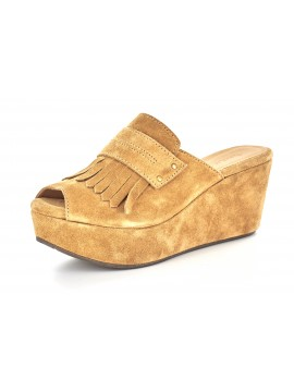 Welsy Rust Suede