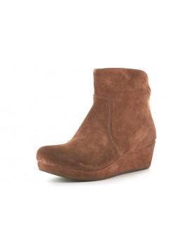 Yarden Brown Suede